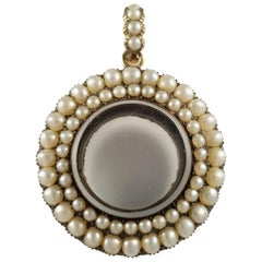 Georgian 9 Karat Gold and Split Pearl Glazed Memorial Pendant Locket