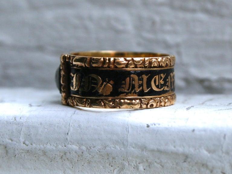 Victorian Georgian Antique 18 Karat Yellow Gold, Black Enamel, and Hair Mourning Ring For Sale