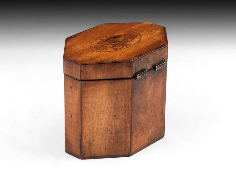 Georgian Antique Octagonal Sycamore Tea Caddy 18th Century In Good Condition For Sale In Northampton, United Kingdom