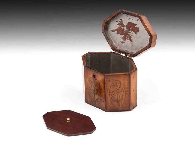 Georgian Antique Octagonal Sycamore Tea Caddy 18th Century For Sale 3