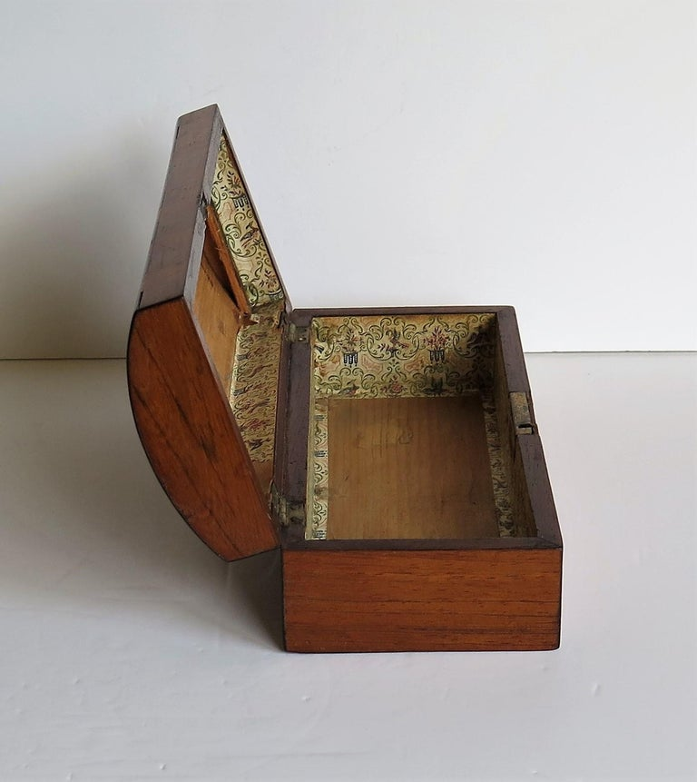 Georgian Box with Domed Lid Cross Banded Mahogany and Satinwood, circa 1810 For Sale 5