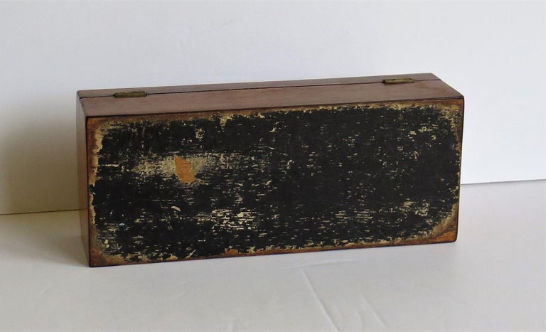 Georgian Box with Domed Lid Cross Banded Mahogany and Satinwood, circa 1810 For Sale 9