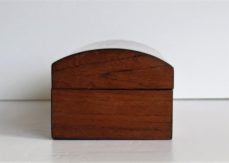 Georgian Box with Domed Lid Cross Banded Mahogany and Satinwood, circa 1810 For Sale 1