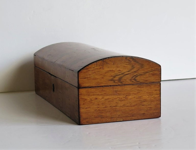 Georgian Box with Domed Lid Cross Banded Mahogany and Satinwood, circa 1810 For Sale 3