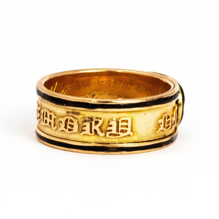 Georgian Crystal and Enamel 18 Carat Engraved Memorial Band In Good Condition For Sale In Chipping Campden, GB