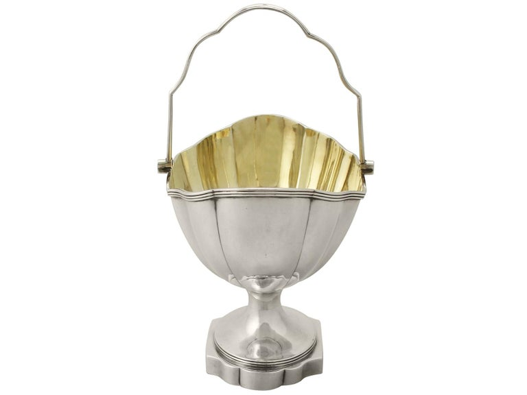Georgian English Sterling Silver Sugar Basket In Excellent Condition For Sale In Jesmond, Newcastle Upon Tyne