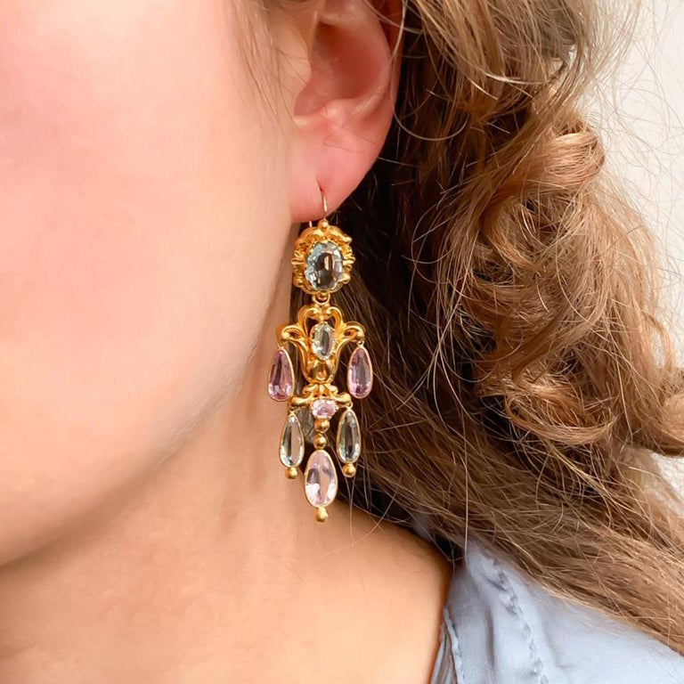 Georgian Gold Girandole Aquamarine Pink Topaz 18 Karat Gold Dangle Drop Earrings For Sale 3