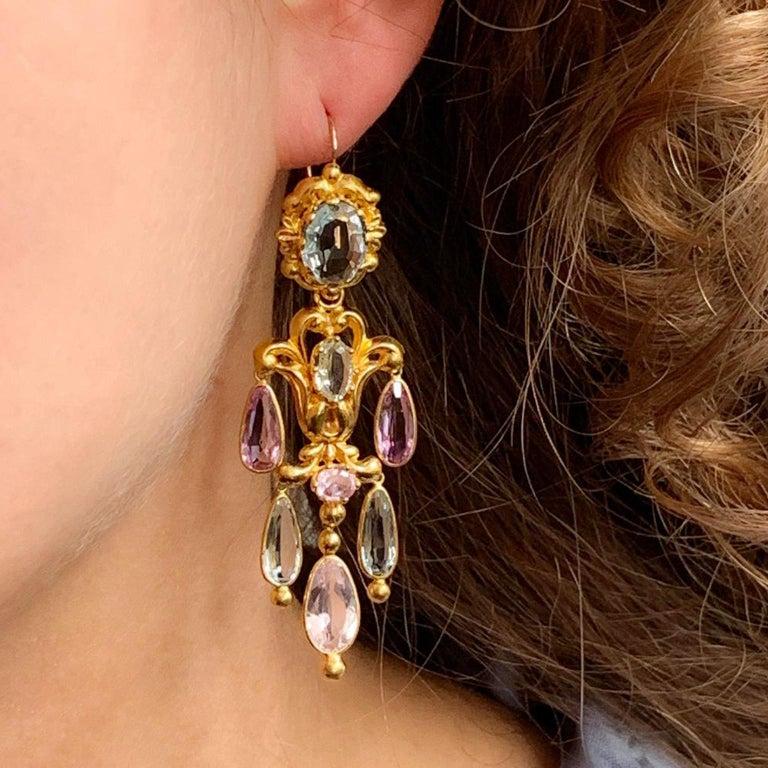 Georgian Gold Girandole Aquamarine Pink Topaz 18 Karat Gold Dangle Drop Earrings For Sale 4