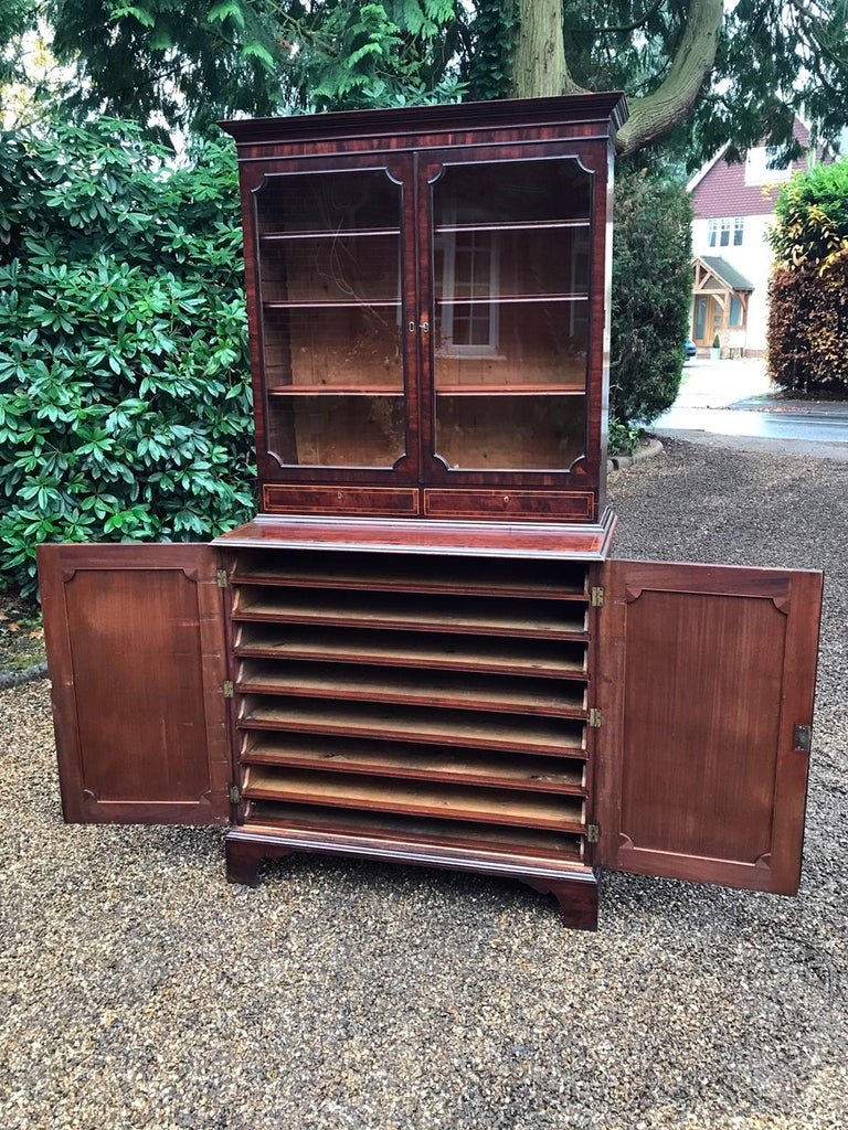 Georgian Mahogany Bookcase and Cupboard For Sale 1