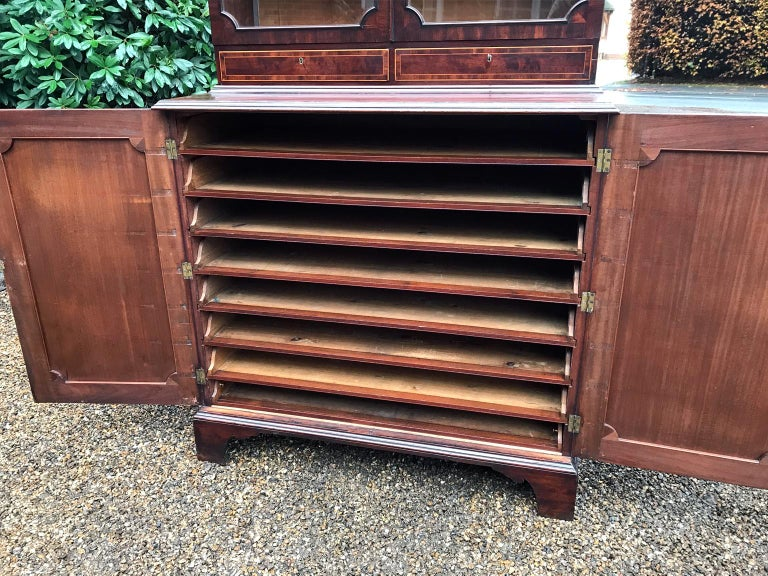 Georgian Mahogany Bookcase and Cupboard For Sale 2