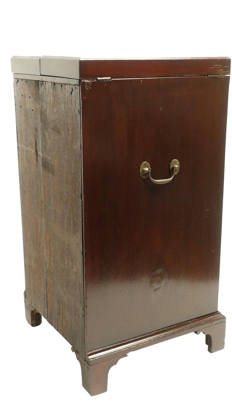 Georgian Mahogany Gentleman's Washstand, English, circa 1800 For Sale 7