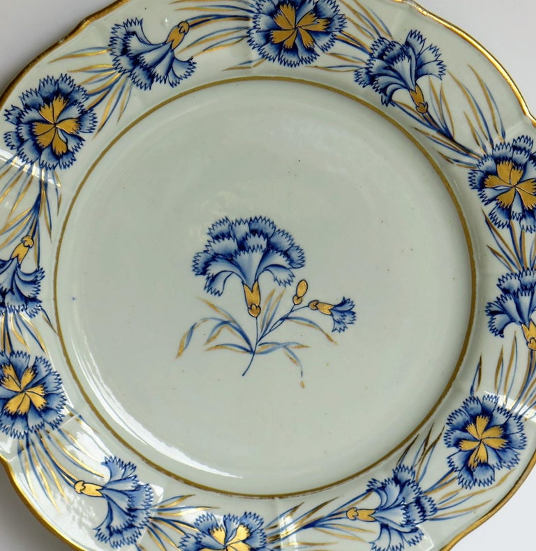 Georgian Mason's Ironstone Dinner Plate Hand Painted rare Blue Carnation Pattern In Good Condition For Sale In Lincoln, Lincolnshire