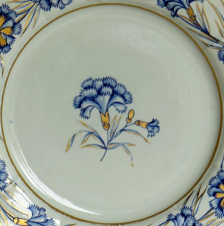 Georgian Mason's Ironstone Dinner Plate Hand Painted rare Blue Carnation Pattern For Sale 2