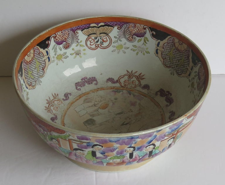 Georgian Mason's Ironstone Large Bowl in Red Scale People Pattern, Circa 1815 For Sale 3