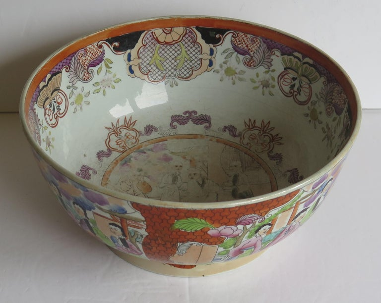 Georgian Mason's Ironstone Large Bowl in Red Scale People Pattern, Circa 1815 For Sale 4