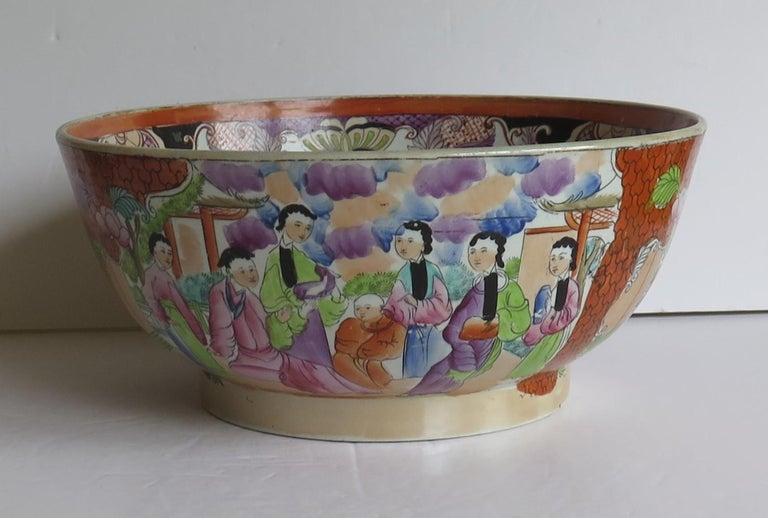 Hand-Painted Georgian Mason's Ironstone Large Bowl in Red Scale People Pattern, Circa 1815 For Sale