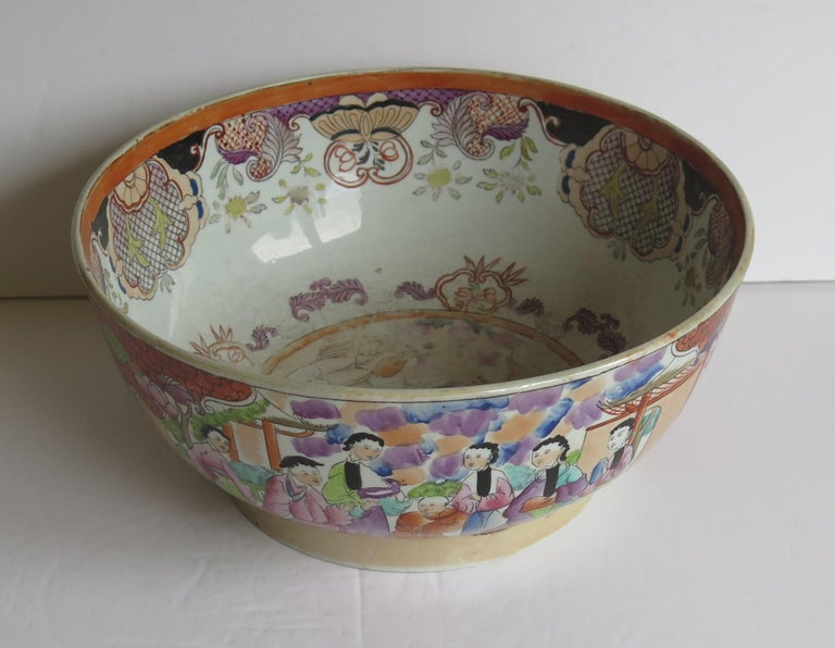 Georgian Mason's Ironstone Large Bowl in Red Scale People Pattern, Circa 1815 For Sale 2