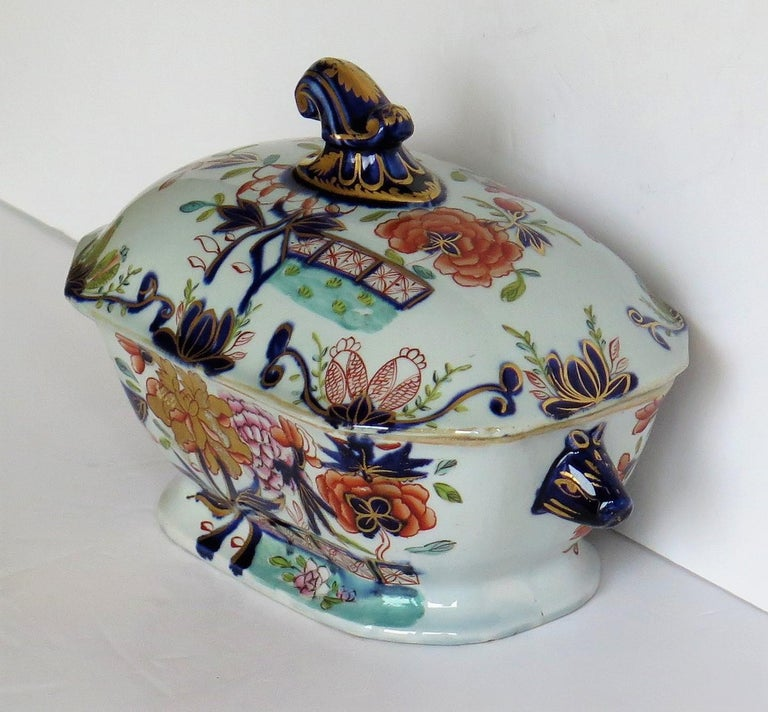 Georgian Mason's Ironstone Sauce Tureen and Cover Gilded Rose Japan Pattern In Good Condition For Sale In Lincoln, Lincolnshire