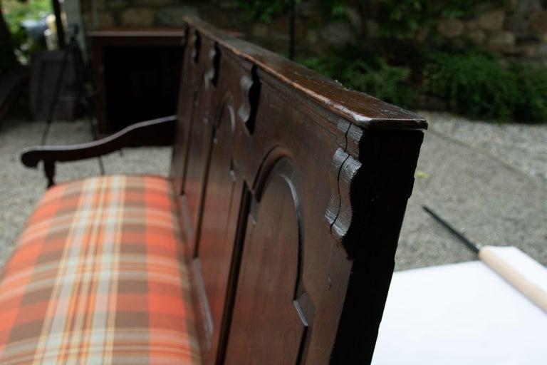 Welsh Georgian Oak Settle Bench, circa 1780 For Sale