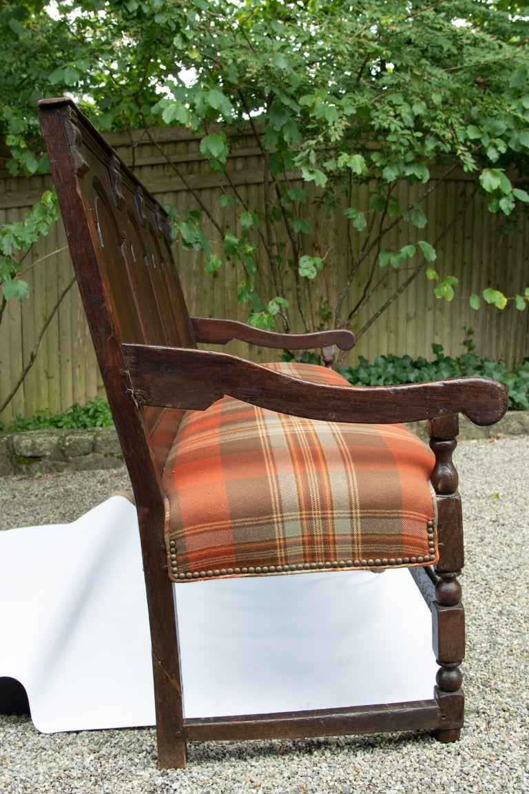 Georgian Oak Settle Bench, circa 1780 In Good Condition For Sale In Mt Kisco, NY