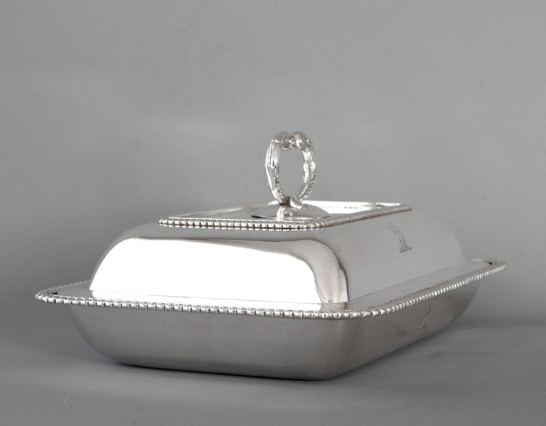 Georgian Silver Entree Dish, London, 1810 by John Foskett & John Stewa In Excellent Condition For Sale In Cornwall, GB