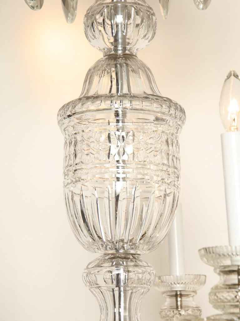 Georgian Style Cut Crystal Chandelier In Excellent Condition For Sale In New York, NY
