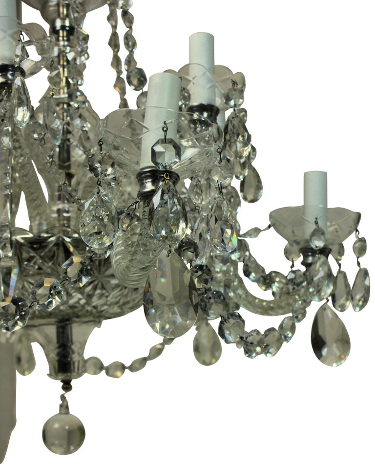 Georgian Style English Cut-Glass Chandelier In Good Condition In London, GB