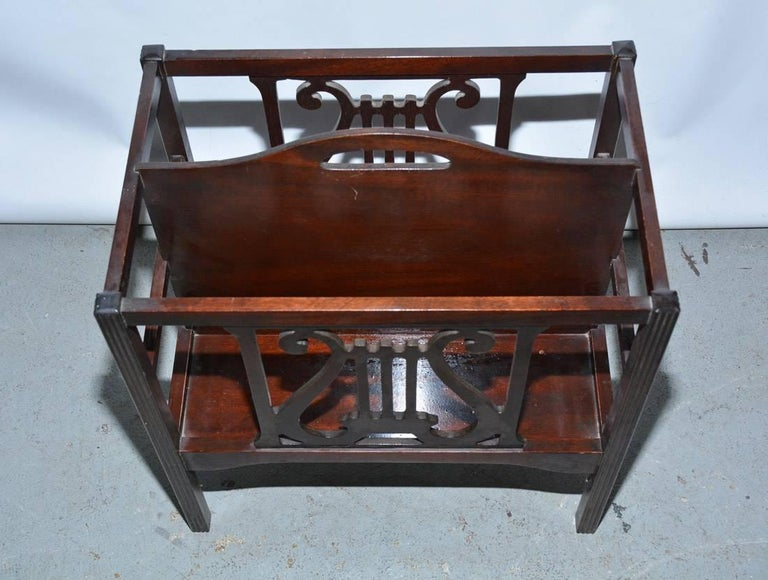 Georgian Style Mahogany-Veneer Magazine Rack or Canterbury In Fair Condition For Sale In Great Barrington, MA