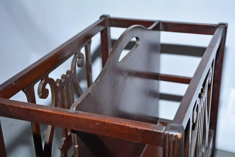 20th Century Georgian Style Mahogany-Veneer Magazine Rack or Canterbury For Sale