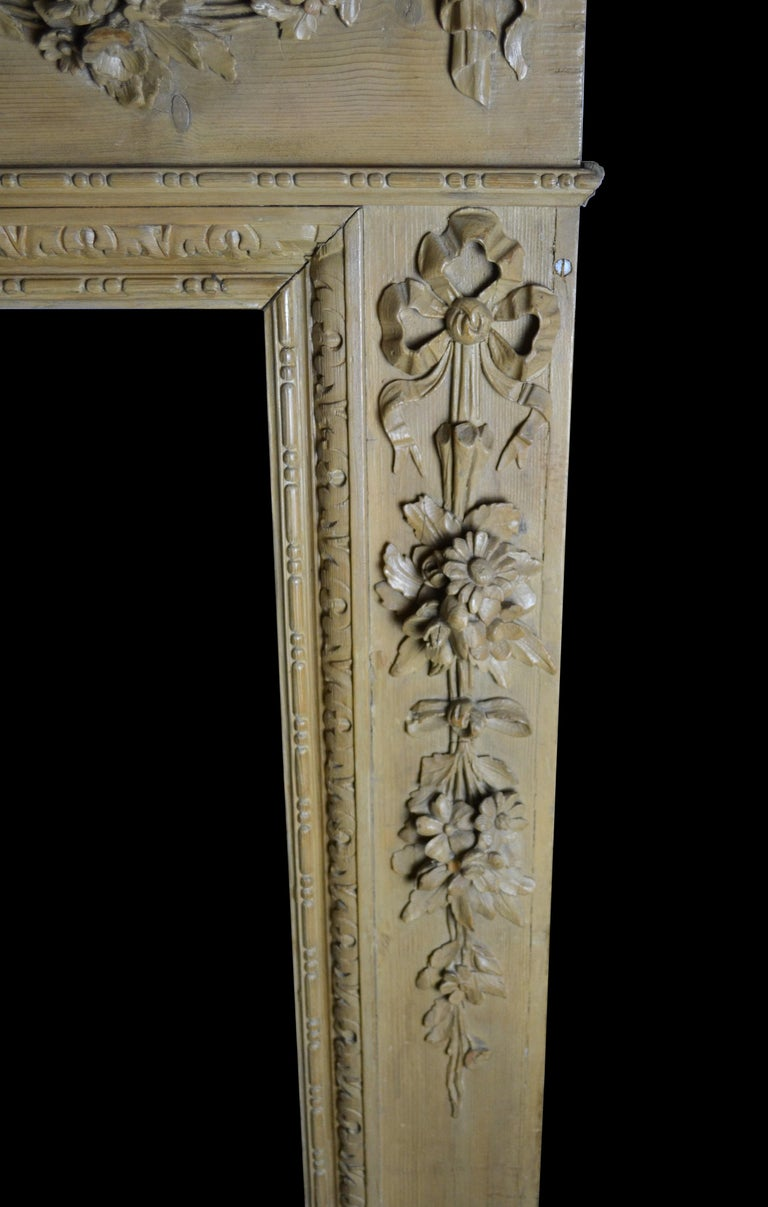 Georgian Style Pine Mantelpiece with Mask Center Plaque For Sale 3