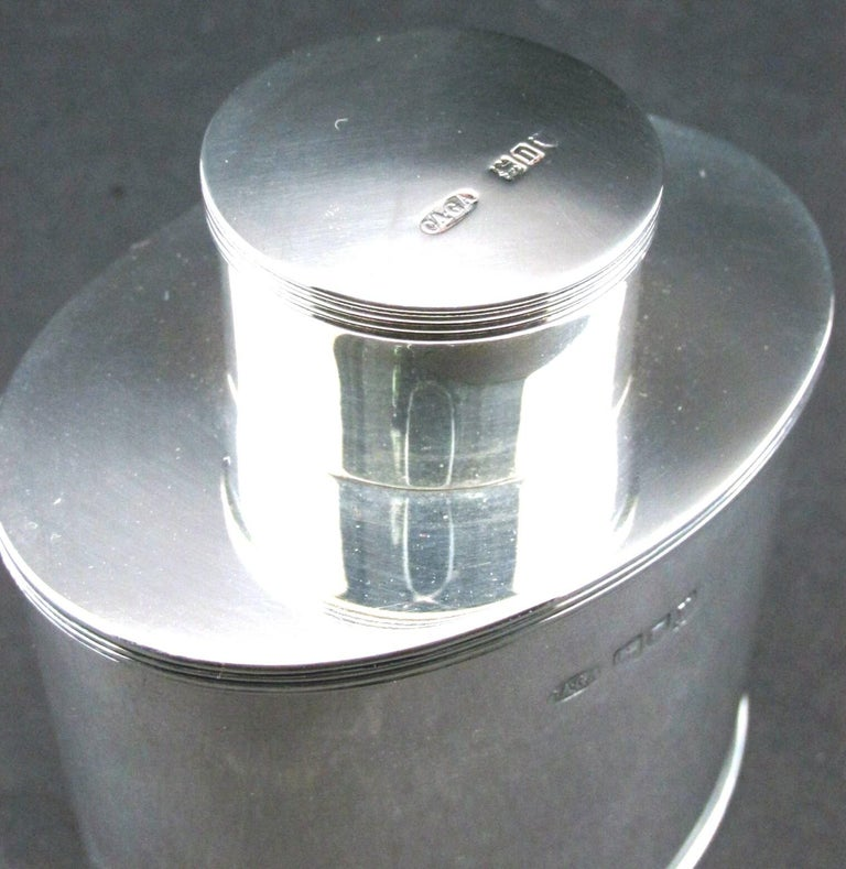A Very Fine Sterling Silver Tea Caddy by Asprey, Hallmarked London 1908 In Good Condition For Sale In Ottawa, Ontario