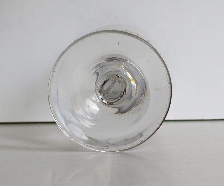 Georgian Wine Drinking Glass Hand Blown Engraved with Star and Darts, circa 1790 For Sale 10