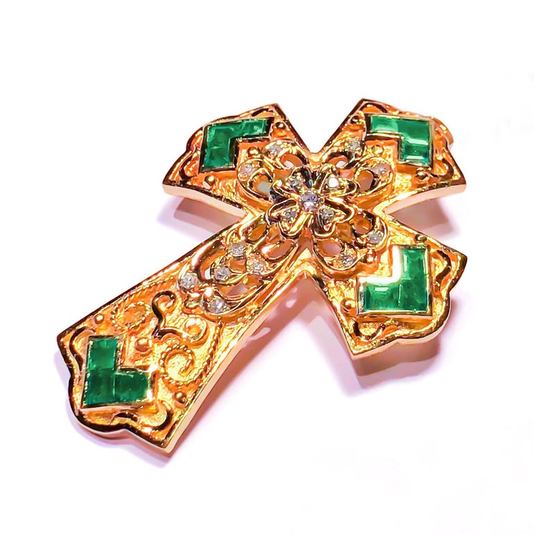 Byzantine Georgios Collections 18 Karat Yellow Gold Diamond and Emerald Granulated Cross For Sale