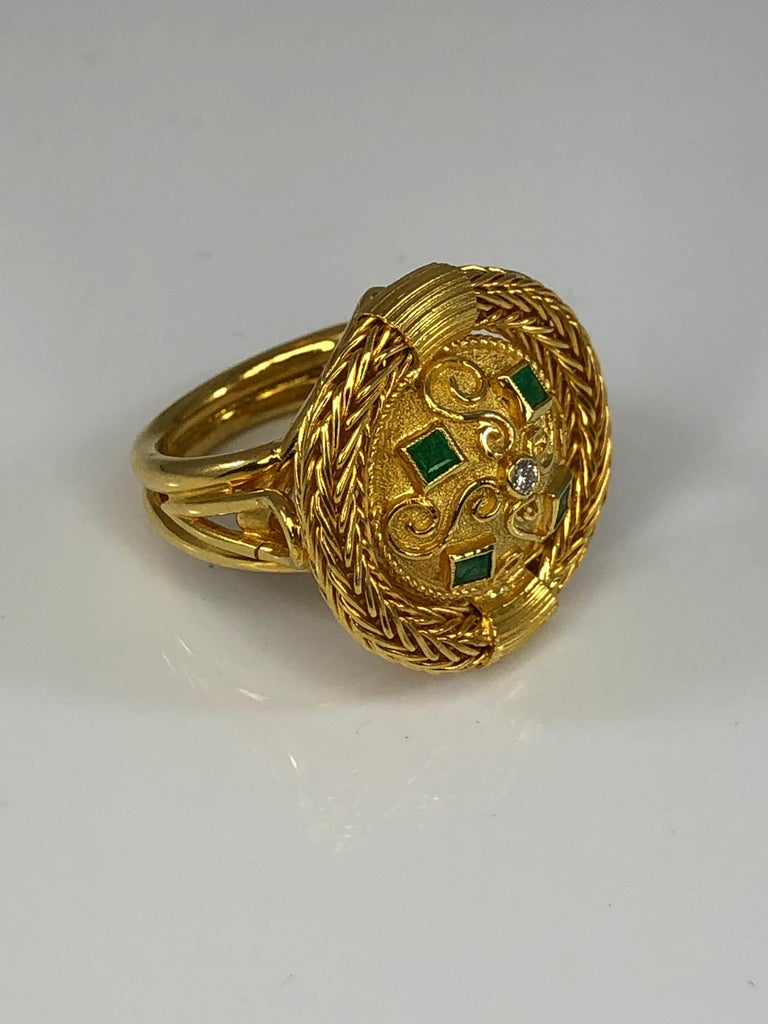 Byzantine Georgios Collections 18 Karat Yellow Gold Diamond and Emerald Ring with Rope For Sale