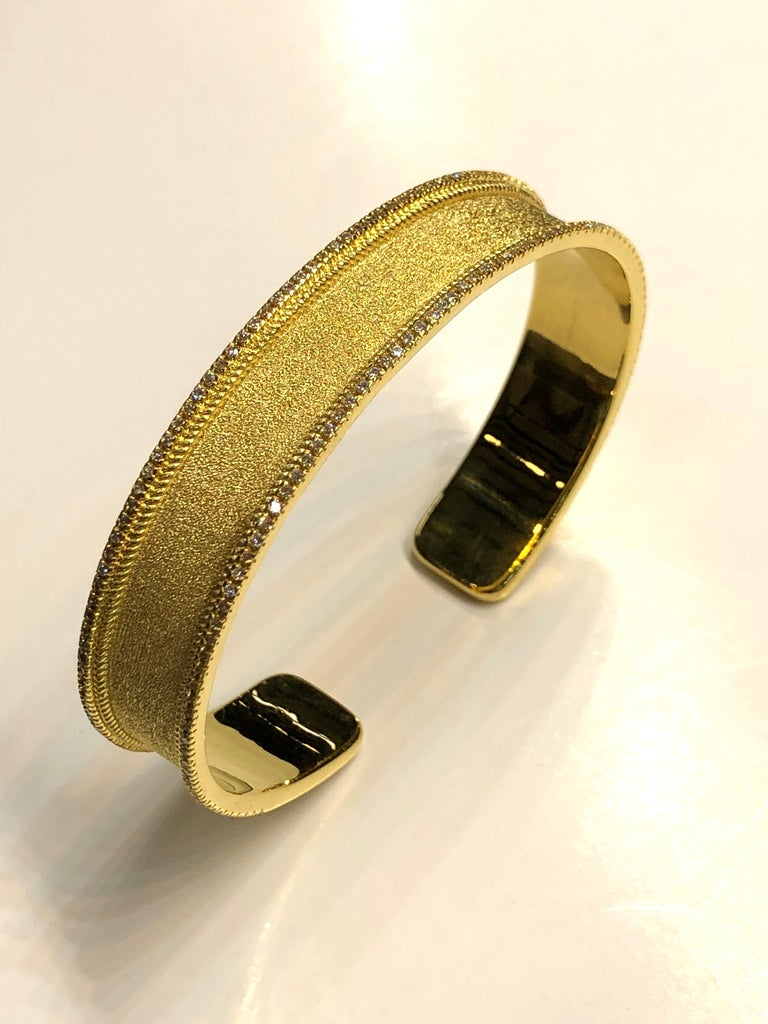 Georgios Collections 18 Karat Yellow Gold Diamond Bangle Bracelet In New Condition For Sale In Astoria, NY