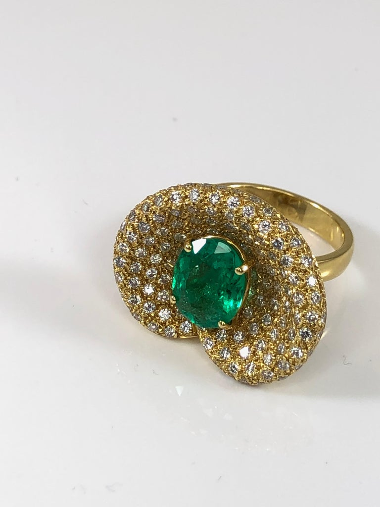 Georgios Collections 18 Karat Yellow Gold Ring with Emerald and Diamonds In New Condition For Sale In Astoria, NY