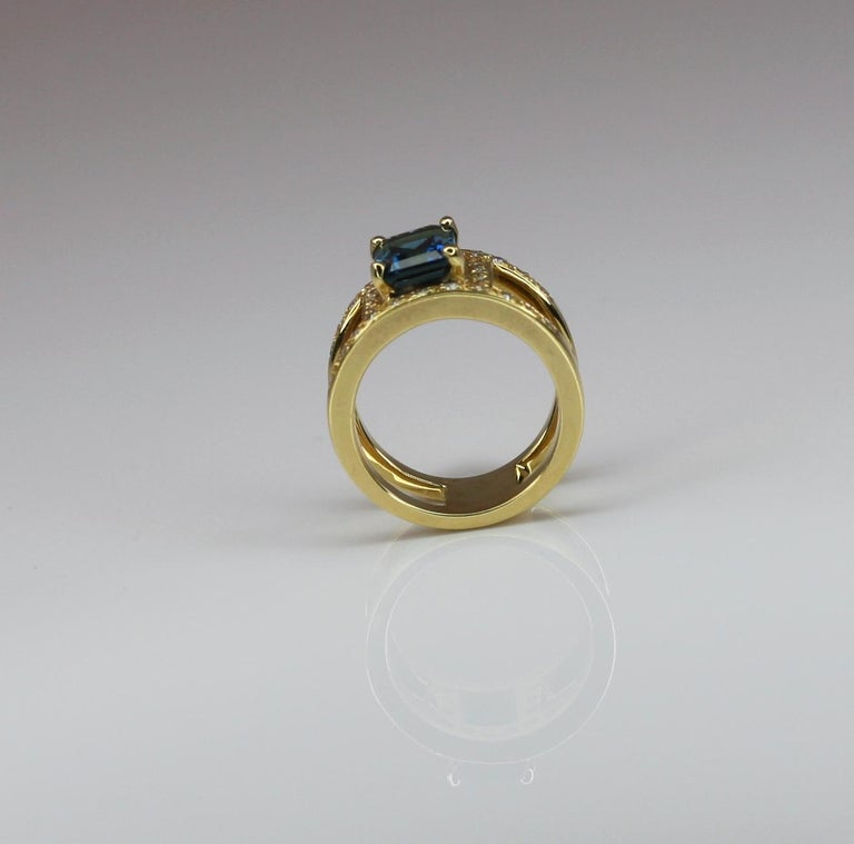 Women's or Men's Georgios Collections 18 Karat Yellow Gold Ring with Topaz and Diamonds For Sale
