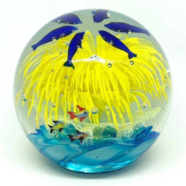 Georgous Big Dolphin and Fish Sea Murano Italian Art Glass Aquarium Paperweight In Good Condition For Sale In Nürnberg, DE