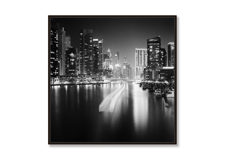 Stop and Go, Dubai Marina - Black and White fine art long exposure photography - Contemporary Photograph by Gerald Berghammer, Ina Forstinger