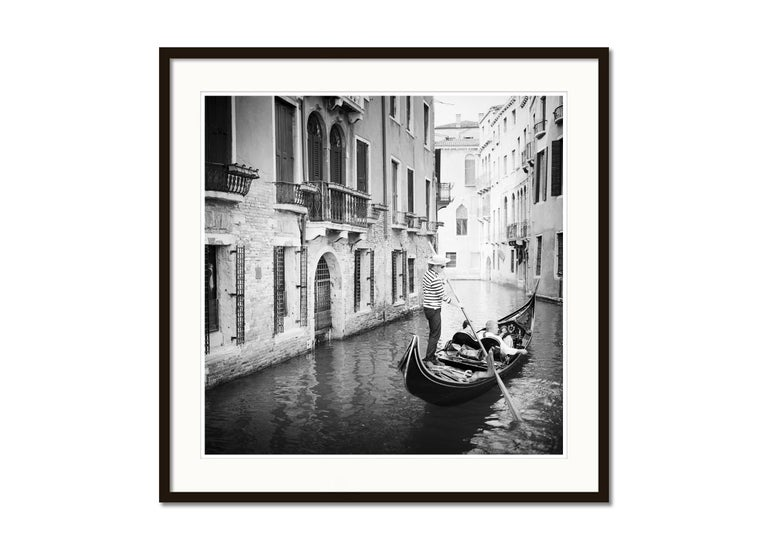 Gondoliere, Venice, Italy, fine art black and white photography, waterscapes - Gray Landscape Photograph by Gerald Berghammer