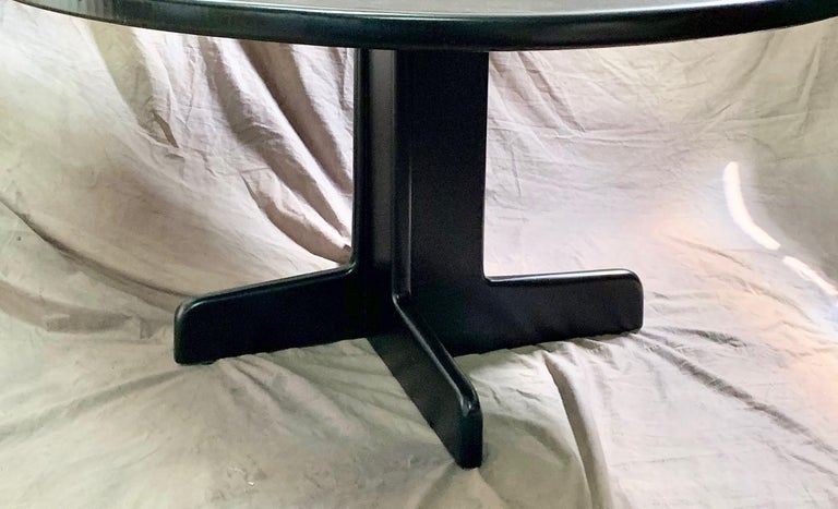 Mid-Century Modern Gerald McCabe Round Dining Table For Sale