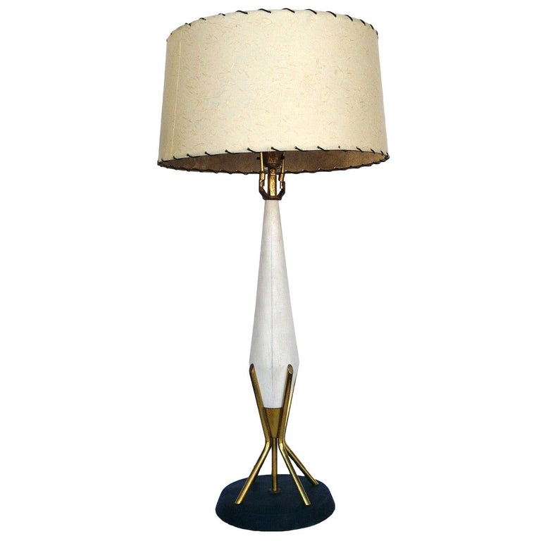 Gerald Thurston Style Sculpted Table Lamp with Brass Base For Sale