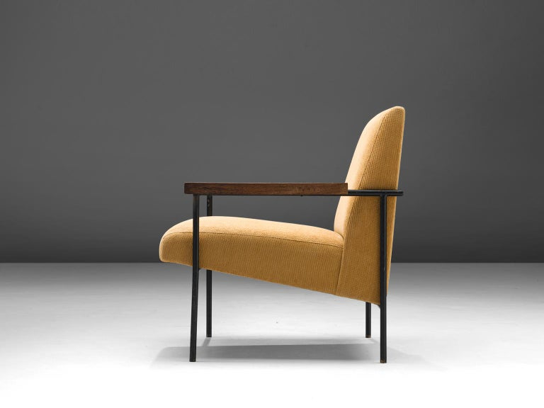 Mid-20th Century Geraldo de Barros Lounge Chair in Iron with Yellow Upholstery For Sale