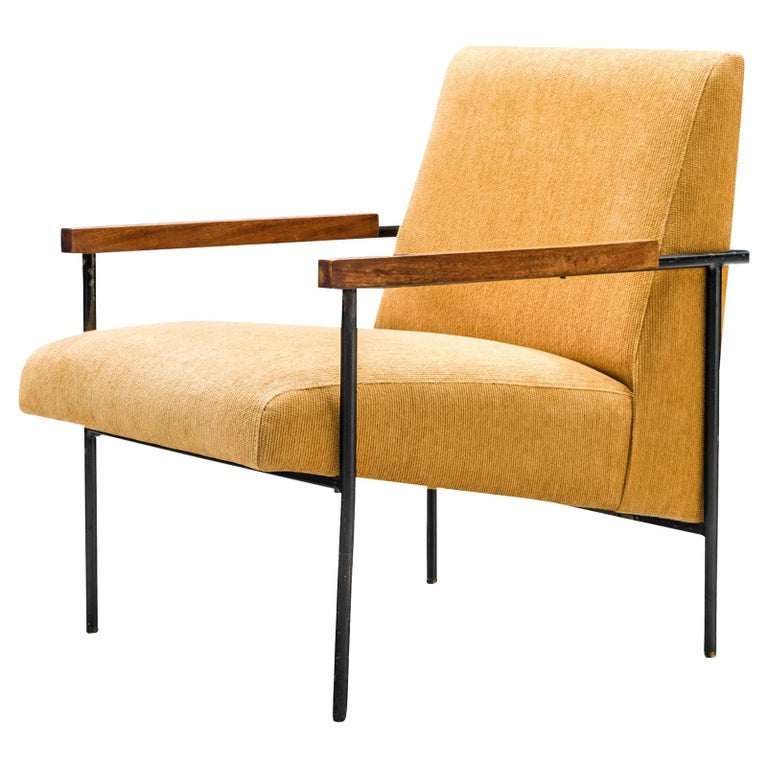 Geraldo de Barros Lounge Chair in Iron with Yellow Upholstery For Sale