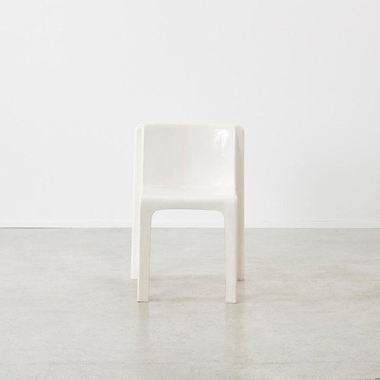 Space Age Gerard Le Fe Fibreglass Chair for Prisunic Editions, France, circa 1970 For Sale