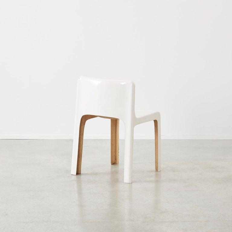 Gerard Le Fe Fibreglass Chair for Prisunic Editions, France, circa 1970 In Good Condition For Sale In London, GB
