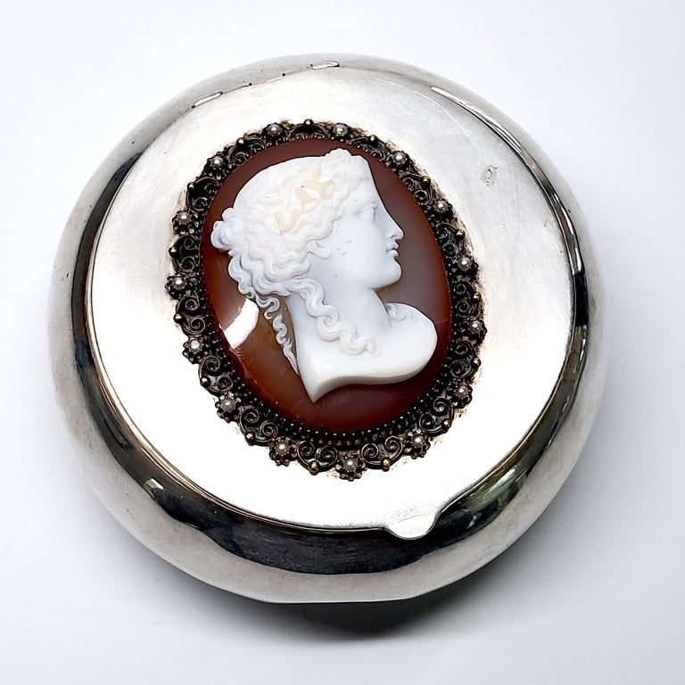 German 800 Silver Mounted Cameo Round Box For Sale 2