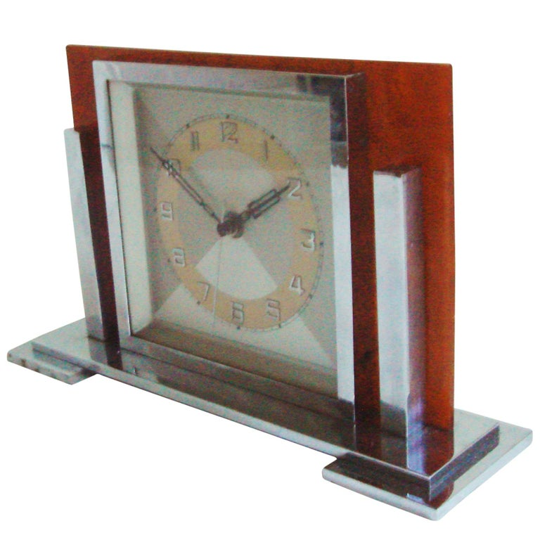 German Art Deco Chrome and Butterscotch Marbled Bakelite Electric Desk Clock For Sale
