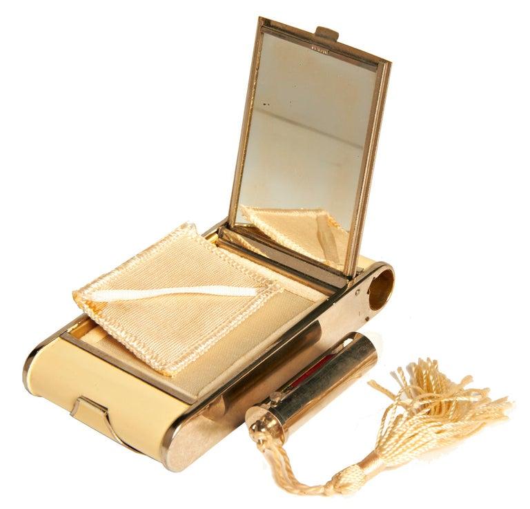 German Art Deco Chrome & Ecru Enamel Geometric Camera Compact/Cigarette Case In Good Condition For Sale In Port Hope, ON