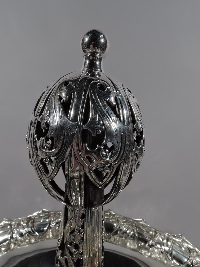 German Art Nouveau Silver and Malachite Showstopper Centerpiece In Excellent Condition For Sale In New York, NY